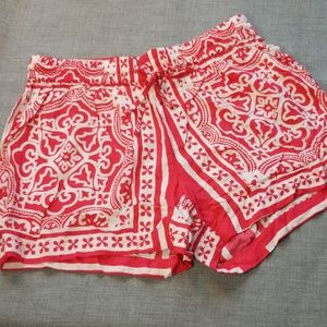 CROWN & IVY🍀Elastic Waist Patterned Soft Shorts